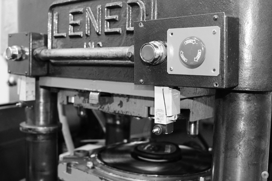 Lened-vinyl-press